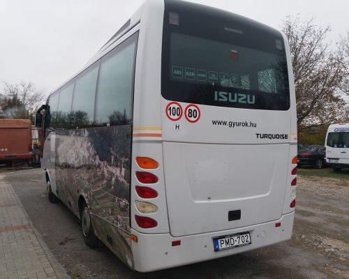 30-fos-Isuzu-busz3