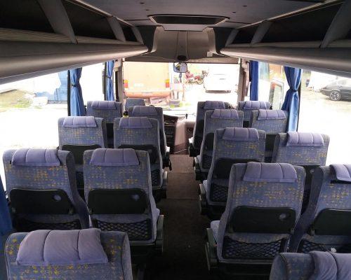 30-fos-Isuzu-busz4