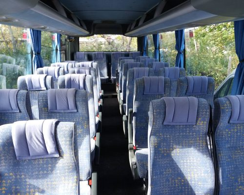 30-fos-Isuzu-busz7
